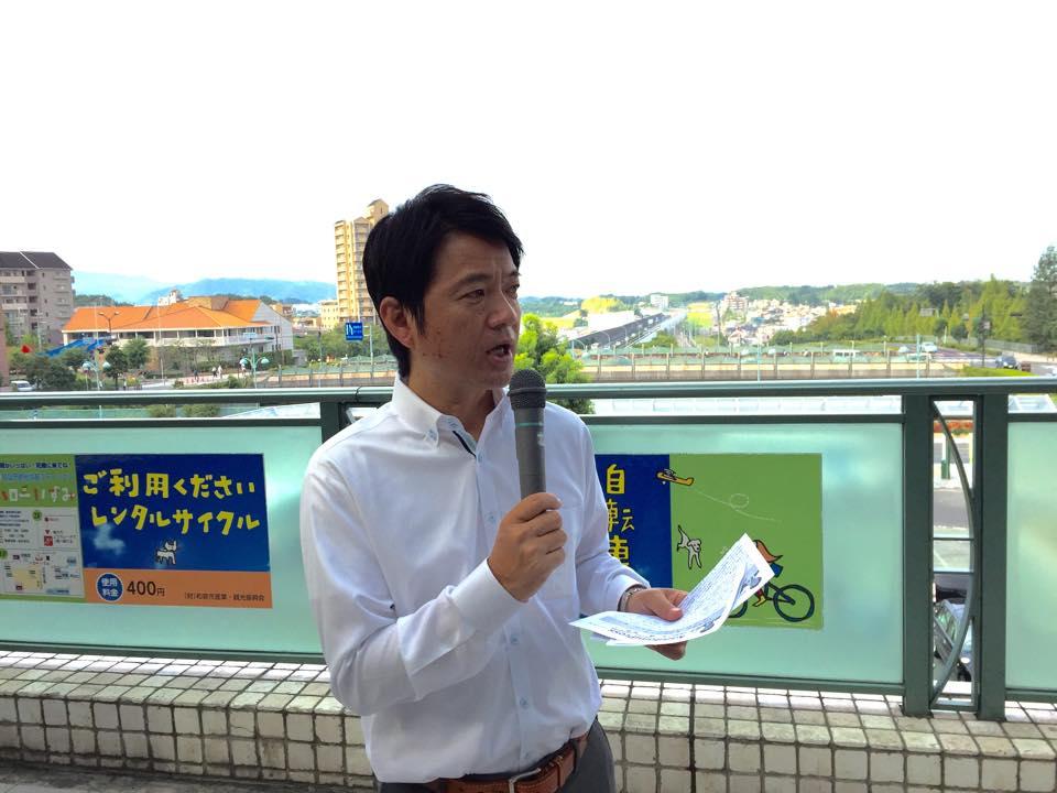 和泉中央駅立ち20140922_森かずとみ2