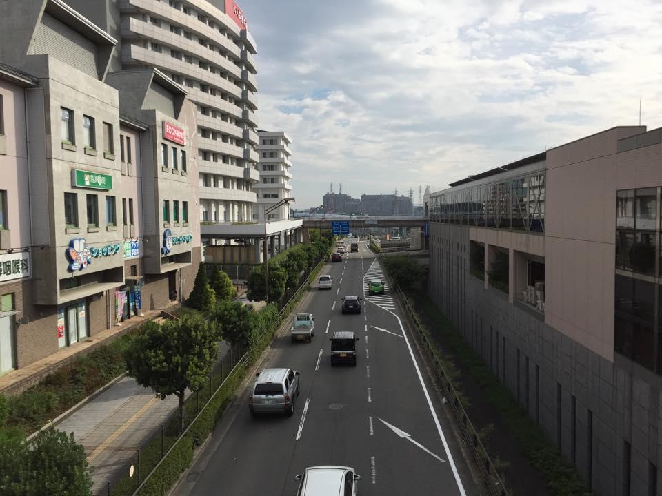 和泉中央駅立ち20140922_森かずとみ3