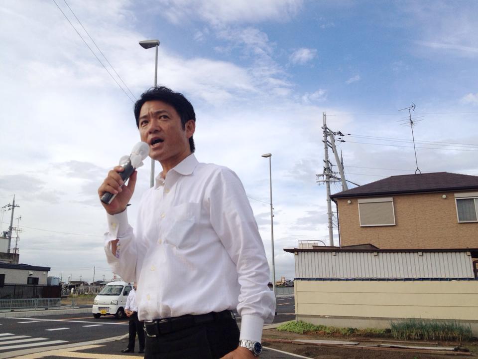 和泉各所駅立ち2014_森かずとみ2